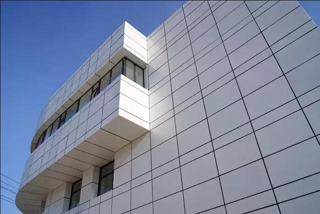 我们都知道铝单板幕墙,但是你真正了解它吗?