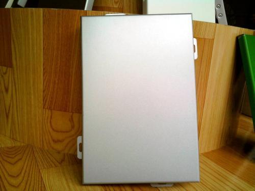 氟碳铝单板在生产加工的时候应当注意什么?