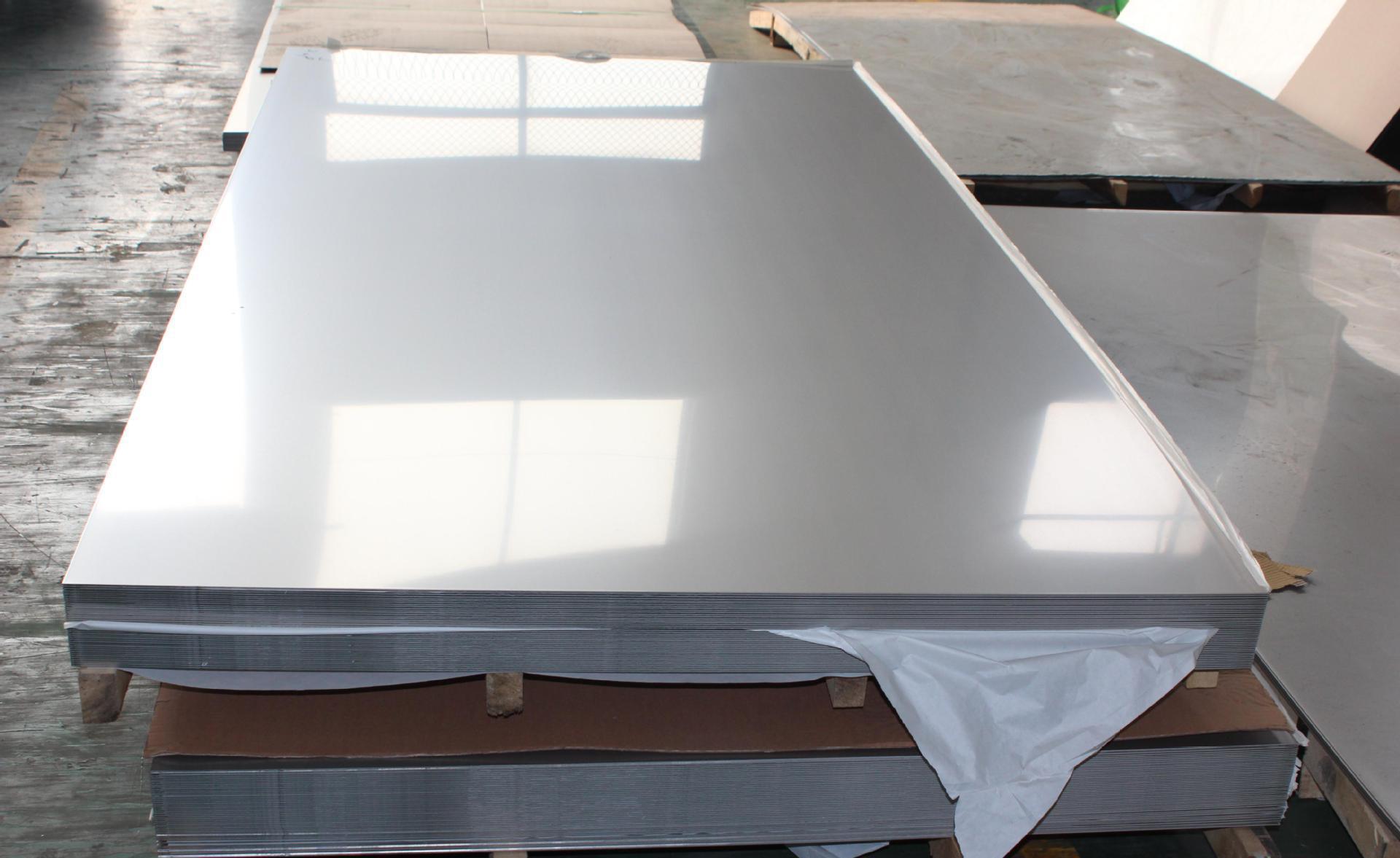 幕墙铝单板与不锈钢金属材料相比突出的优势