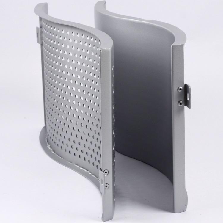 最小化多个氟碳铝单板的颜色变化