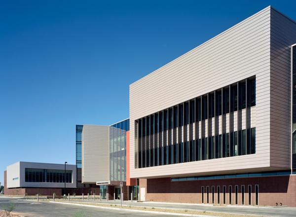 铝单板幕墙生命周期分析和铝外墙建筑构件