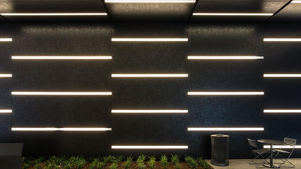 铝单板带电泳涂层的好处,铝单板厂家对铝单板进行开发