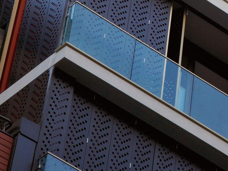 圆形或方形穿孔用于幕墙美学