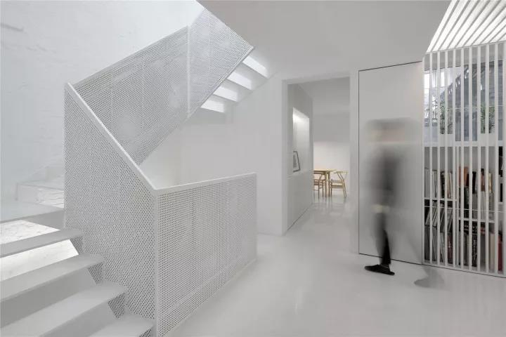 悬空菱形铝单板遮阳幕墙施工方法